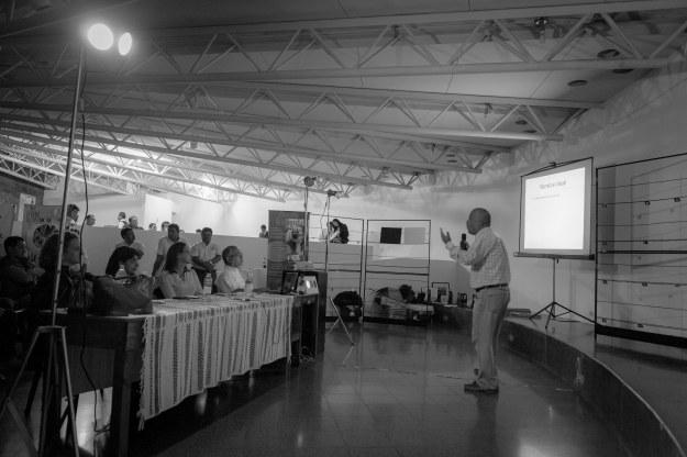 Carlos Rueda durante su charla